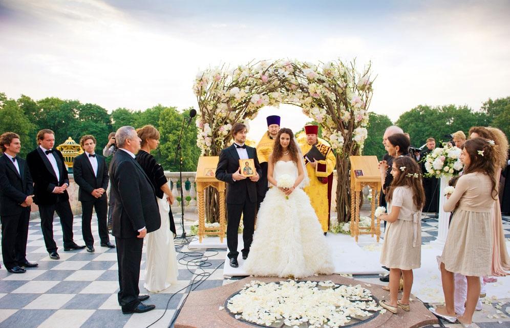 Свадьба по-королевски в Петергофе